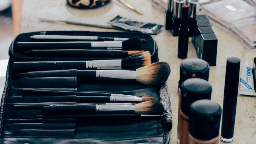 Triki makijazowe